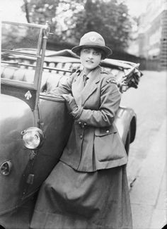 f306cf2886aa3 Women s Royal Air Force  A woman motor driver serving with the Royal Flying  Corps in