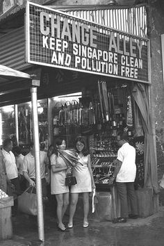 CHANGE ALLEY AT RAFFLES PLACE, SINGAPORE - 1970.  THE LIBYAN Esther Kofod www.estherkofod.com