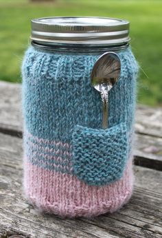 Knitting Pattern of Mason Jar Sweater - Wide mouth cozy with pocket. Makes a great quick gift.