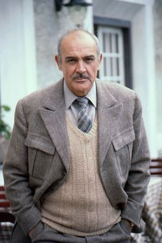 Scottish actor Sean Connery on the film set of 'Five Days One Summer', the last film directed by Fred Zinnermann, Sean Connery James Bond, Old Hollywood Stars, Hollywood Actor, Sean Connory, Scottish Actors, Face Photo, Star Wars, Music Tv, Attractive Men