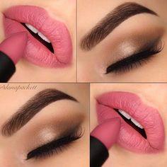 3 ideas de maquillajes de ojos y boca-Propuesta 2- Sombra de ojos en tono dorado-café y labios en rosa neutro. Este rosa es perfecto pues no es muy brillante ni muy pálido por lo que va perfecto con los tonos cafés y dorados.