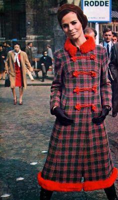 Russian-style coat Daniel Hechter, Regina Mode (Dutch) September 1967