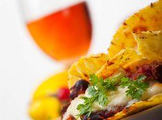 Bästa vinet till tacos   World of Wine Mat, Tacos, Mexican, Wine, Ethnic Recipes, Food, Essen, Meals, Yemek
