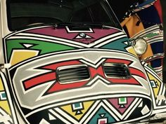 A BMW Isetta microcar will be a star exhibit at the Concours South Africa in August Check out this amazing design by acclaimed SA artist Esther Mahlangu! Small Motorcycles, Four Stroke Engine, Bmw Isetta, Microcar, Frank Stella, Bmw 7 Series, African Artists, David Hockney, City Car