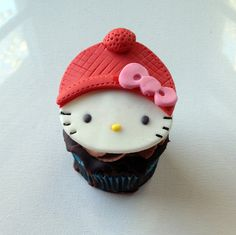 Adorable Winter Hello Kitty Cupcake Toppers Fondant Cake Tutorial, Fondant Toppers, Fondant Cupcakes, Hello Kitty Birthday Cake, Hello Kitty Cupcakes, Christmas Cupcake Toppers, Christmas Cupcakes, Cupcake Recipes For Kids, Cupcake Ideas