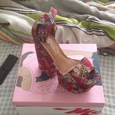 Jeffery Campbell comic book platform shoe Mostly red wit comic strip all over size 11 but will fit a size 10 due to deep arch only worn 3 times still have box and dust bags Jeffrey Campbell Shoes Platforms
