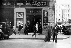 02_Alexandria - Saad Zaghloul Street 1940 | usbpanasonic | Flickr Life In Egypt, Ancient Egypt History, Egyptian Beauty, Alexandria Egypt, Old Egypt, Modern History, Africa Travel, Travel Posters, Cool Photos