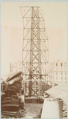 As mentioned in the last post. I've spent the week combing through images & illustrations of The Statue Of Liberty and her construction. It's kind of strange to see the statue anyw… Construction Project Management Software, History Of Photography, Time Photo, Under Construction, Statue Of Liberty, New York City, Cool Photos, Architecture, Building