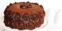 Aprenda a fazer as melhores receitas de glacê, pasta americana e todos os tipos de coberturas para confeitar bolos e tortas.