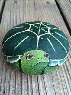 Sea Turtle Painting, Pebble Painting, Pebble Art, Stone Painting, Pebble Stone, Pour Painting, Silk Painting, Painting Art, Turtle Painted Rocks