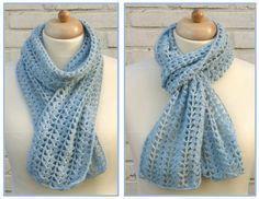 Bij Haakbaak.nl ontdekte ik deze leuke sjaal. Je kunt de sjaal zo lang haken als je zelf wilt en het patroon is leuk luchtig.