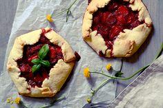 Red velvet cooking & baking: Jahodové galetky s bazalkou