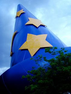 Mickey Mouse's sorcerer's hat