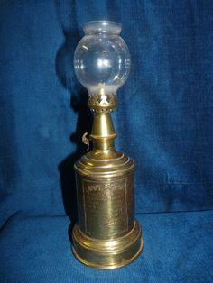 Spectacular Belle lampe pigeon ancienne en laiton dit lampe de notaire tiquette rapport