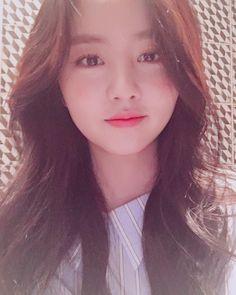 Actress Kim So Hyun Is Only Getting More Beautiful Korean Actresses, Korean Actors, Korean Idols, Kim So Hyun Fashion, Kim Sohyun, Kim Yoo Jung, Cute Korean Girl, Chinese Actress, Korean Celebrities