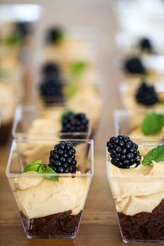 Blackberry, Panna Cotta, Food And Drink, Pudding, Sweets, Fruit, Ethnic Recipes, Party, Desserts