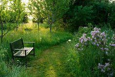 Gartenzauber   Auf Wegen durch den Garten wandeln - Gartenzauber