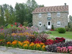 Florida Flower Bed Landscaping Ideas | flower beds landscaping3 related with flower beds landscaping3 here ...