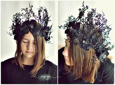 frozen crown, winter wreath, black crown