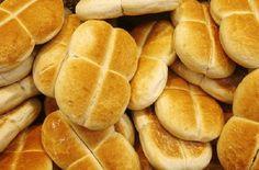 Receta de marraqueta o pan batido o pan francés chileno Hot Dog Buns, Hot Dogs, Chilean Recipes, Bread Recipes, Cooking, Desserts, Panda, Smile, Kitchen Stuff
