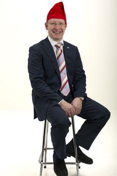 Luukusta 24 ilmestyy joulupuk.. sehän onkin Huomin liiketoimintajohtaja Jukka Rantanen! Iloista joulua ja menestystä vuodelle 2014! Toivottaa huomilaiset Kuva: Laura Mainiemi