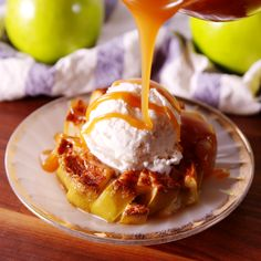 These Bloomin\' Apples are making us SO happy fall is around the corner. #apples #caramel #cinnamon #appledesserts #falldesserts #delish