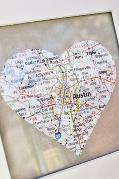 Art Finding your favorite places on a map and cutting them into a heart then turning them into coasters. diy-for-the-super-not-crafty Map Crafts, Diy And Crafts, Arts And Crafts, Going Away Parties, Going Away Gifts, Craft Gifts, Diy Gifts, Estilo Tropical, Photo Souvenir