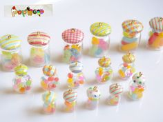 sweet deco of fake made from cray.cray is life. Miniature Crafts, Miniature Food, Miniature Dolls, Polymer Clay Miniatures, Polymer Clay Charms, Dollhouse Miniatures, Candy Phone Cases, Eraser Collection, Diy Projects For Bedroom