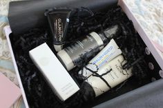 GlossyBox is a monthly box subscription full of 5 beauty items – makeup, skincare, haircare, etc.