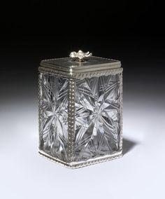Sugar box or tea caddy, England, 1770-80, cut glass V