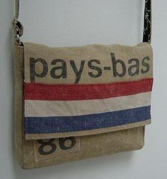 tas gemaakt van oude postzakken