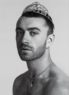 In the new issue of V magazine, Sam Smith revealed that at the start of his music career, he spent a lot of time obsessing over his weight V Magazine, Sam Smith, Pretty People, Beautiful People, Genre Musical, Black And White Photo Wall, Attractive People, Music Stuff, Ideias Fashion