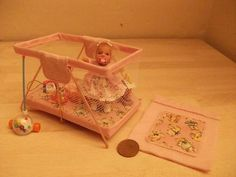 Doll house baby room, accesoires