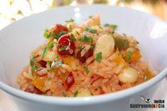 Como entrante o como guarnición de una carne blanca a la plancha, o por qué no, de un pescado, os va a encantar este Arroz pilaf con frutos rojos, es sabroso, ligero y muy nutritivo. Combinamos las frutas en este arroz con una mezcla de especias tan apreciada como el Tandoori masala, que como sabréis, incluye especias como jengibre, cilantro, nuez moscada, comino, cardamomo, canela, pimienta, cayena…La elaboración de un arroz pilaf es sencilla y muy rápida, pudiendo enriquecerlo con los ...