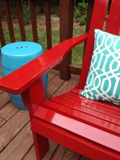 Spray paint for outdoor furniture: Gloss Protective Enamel by Rustoleum
