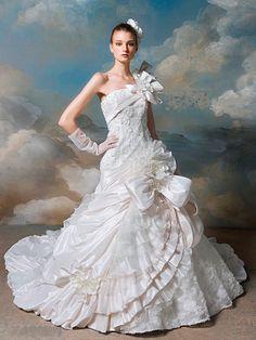 Classic Wedding Dress, Dream Wedding Dresses, Princess Dress Up, Ethereal Wedding, Beautiful Costumes, Bridal Gowns, Designer Dresses, One Shoulder Wedding Dress, Ball Gowns