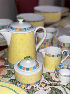Villeroy-Boch, Twist Alea Limone servise. | FINN.no Fine Porcelain, Twists, Ale, Tea Pots, Tableware, Chunky Twists, Dinnerware, Ale Beer, Tablewares