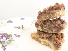 Recipe: Skor Toffee Bars - Delicious - A Little Bit of Momsense Chocolate Chip Bars, Chocolate Toffee, Chocolate Chip Recipes, Healthy Chocolate, Chocolate Squares, Candy Recipes, Baking Recipes, Sweet Recipes, Xmas Recipes
