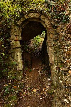 """Castle Passage"" at Benington Lordship Gardens, Hertfordshire, England. Photo by Nicole Sumpter (xNickixstockx @ deviantart.com) (© 2008)."