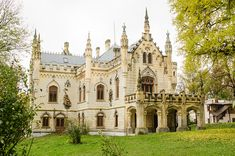 Best Castles In Romania Belle Epoque, Romania, Barcelona Cathedral, Notre Dame, Tourism, Mansions, House Styles, Building, Travel