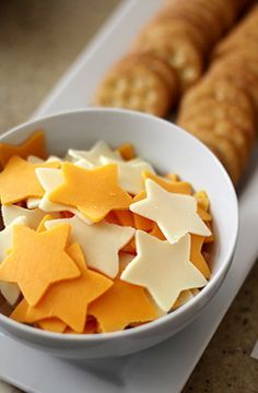 Star Shaped Cheese and Crackers - use a star shaped cookie cutter for your appetizers. #hollywood #oscars #partyshelf