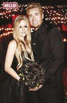 Avril Lavigne and Chad Kroeger wedding pictures. Black wedding dress. Monique lhuillier. Bride. Wedding. Marriage. #gothwedding