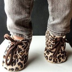 Aren't these the cutest Baby Shoes : Leopard Print Crib Shoes Baby Girl Shoes, My Baby Girl, Girls Shoes, Its A Girl, Baby Girl Stuff, Baby Girl Clothing, Kid Clothing, Baby Boots, Fashion Kids