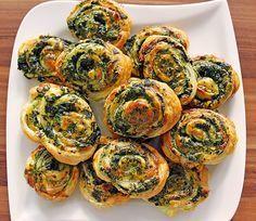Blätterteig - Spinat - Schnecken, ein leckeres Rezept aus der Kategorie Fingerfood. Bewertungen: 259. Durchschnitt: Ø 4,3.