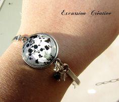 Bracelet rigide réglable en métal argenté style chic baroque avec cabochon en verre 20 mm incrusté : Bracelet par excursion-creative