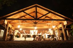Brasstown-Valley-Wedding-Venues-in-Georgia-Wedding-Venues-Sunset-Pavilion