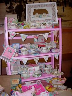 Ok! I now want a shelving unit for my craft stall!!!!