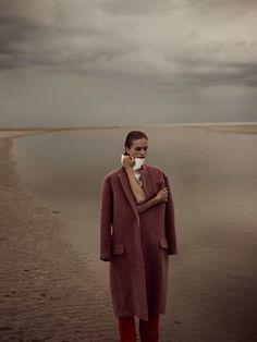 Mirte Maas Takes it Easy in Annemarieke van Drimmelens Vogue Netherlands Shoot
