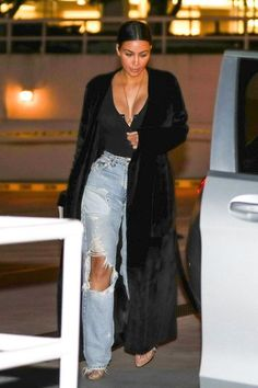 Kim Kardashian's Money-Printed Coat and More of Her Best New Looks - Kim Kardashian Style Transformation – Kim Kardashian Outfits Source by - Kim Kardashian Meme, Kim Kardashian Wedding, Kardashian Style, Kim Kardashian Closet, Kim Kardashian Yeezy, Kim Kardashian Paris, Kardashian Fashion, Kardashian Kollection, Fashion Models