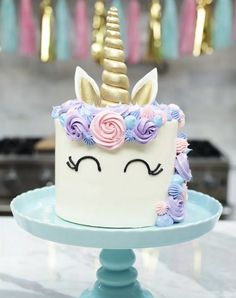 16 Impressive (but Not Impossible) Birthday Cake Recipes for Your Kid's Party . 16 Impressive (but Not Impossible) Birthday Cake Recipes for Your Kid's Party Diy Unicorn Cake, Unicorn Cake Pops, How To Make A Unicorn Cake, Unicorn Party, Salty Cake, Birthday Cake Decorating, Cupcakes Decorating, Birthday Cake Girls, Birthday Kids